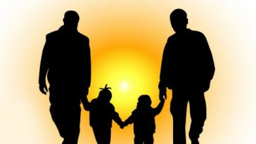 Advantages and disadvantages of an extended family - LORECENTRAL